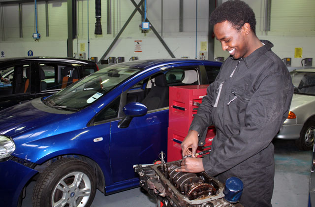 Imi offers full support to new skills minister imi for Institute of the motor industry
